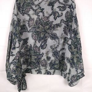 Charlotte Russe Tops - Charlotte Russe Paisley Silver & navy blouse M